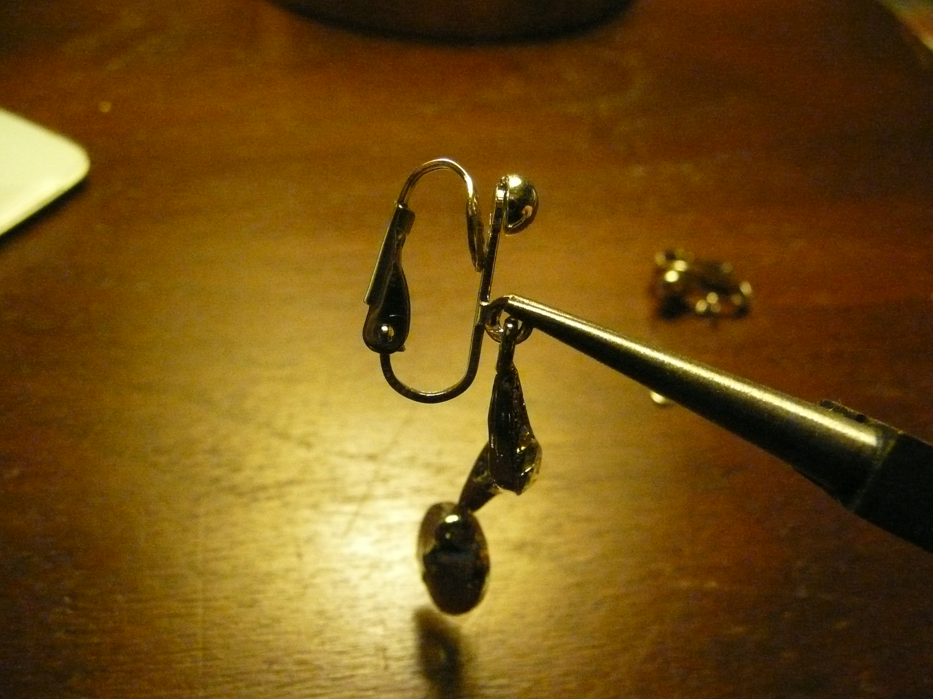 A Quick New Year S How To Convert Pierced Earrings To Clip Sue S News